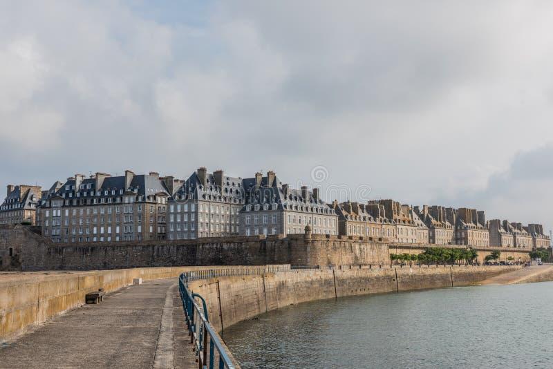Centro histórico de Saint Malo em Brittany, França fotografia de stock