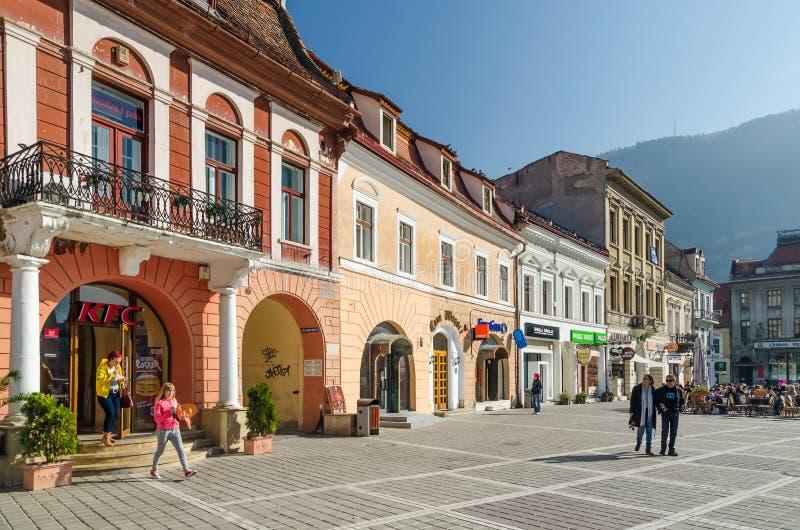 Centro histórico do quadrado do Conselho de Brasov fotos de stock royalty free