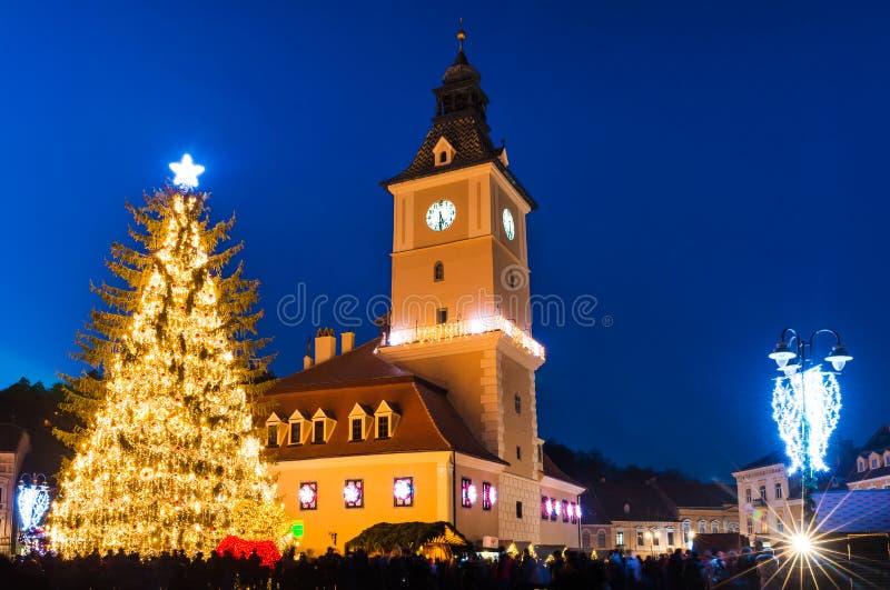 Centro histórico em dias de Natal, Romênia de Brasov imagens de stock