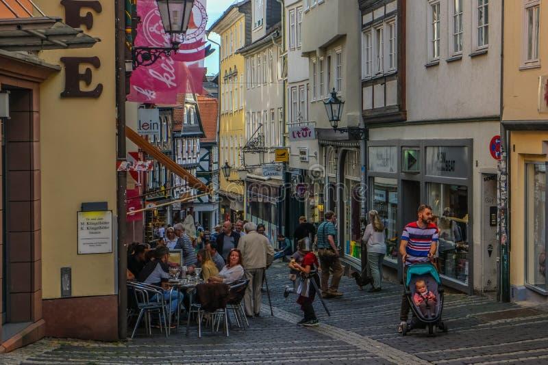 Centro Municipal Histórico de Marburgo com casas tradicionais imagens de stock royalty free