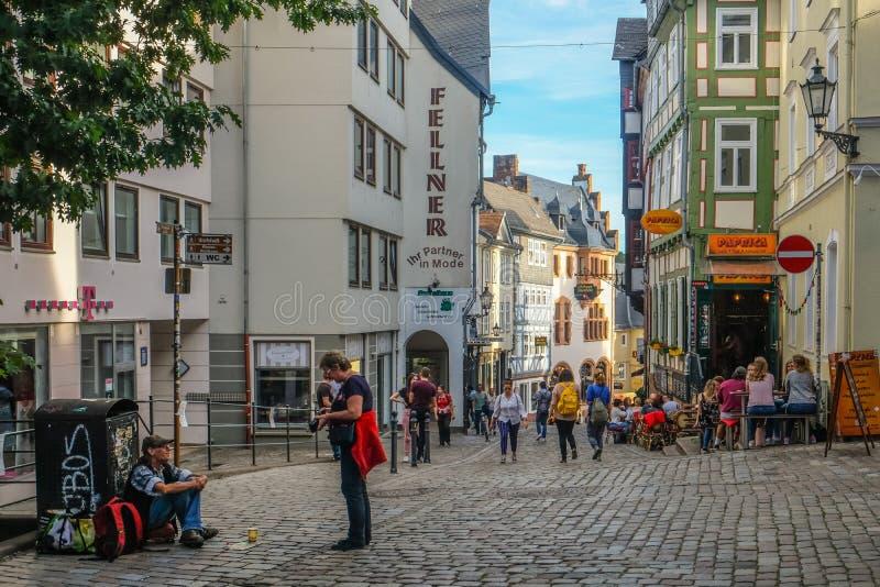 Centro Municipal Histórico de Marburgo com casas tradicionais imagem de stock