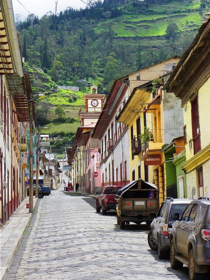 Centro storico di Alausi, provincia di Chimborazo, Ecuador fotografie stock libere da diritti
