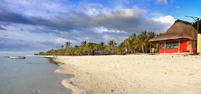 Centro turístico de lujo del Palm Beach, Mauritius Island foto de archivo libre de regalías