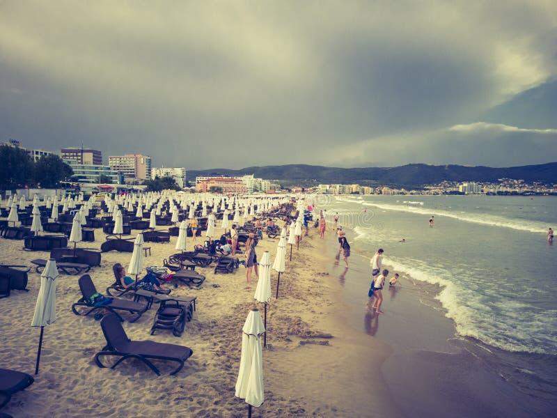 Centro turístico de Sunny Beach, Bulgaria en un día nublado foto de archivo