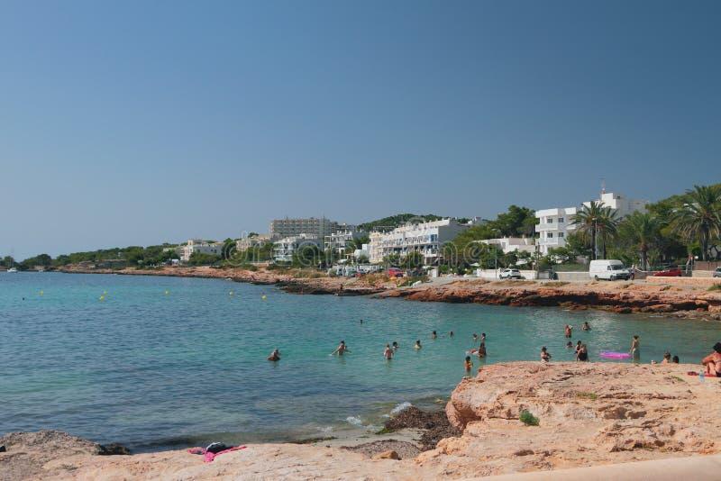 Centro turístico en el mar San Antonio, Ibiza, España imagen de archivo