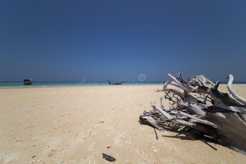 Centro turístico por el mar imagen de archivo libre de regalías