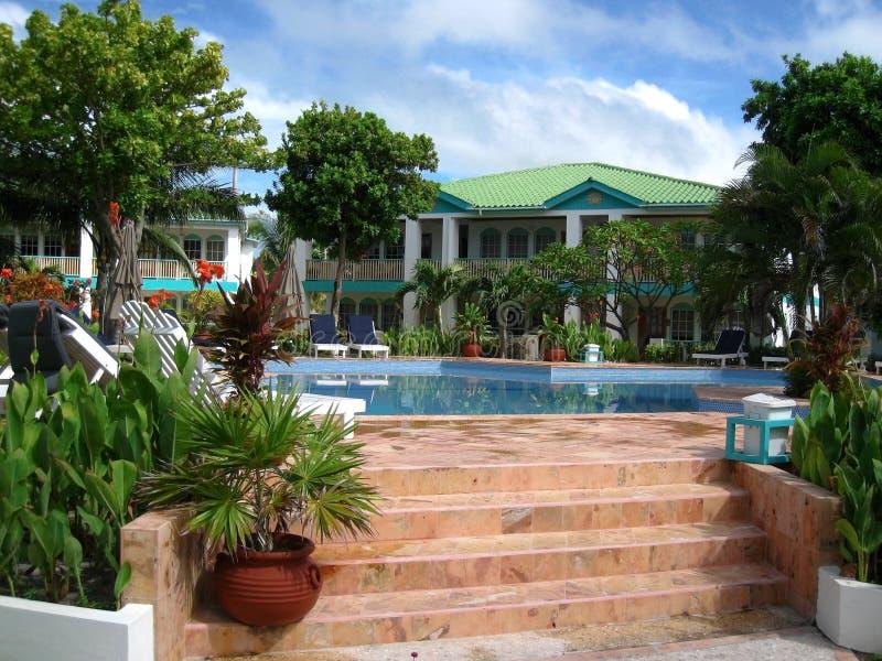 Centro turístico tropical en el Ambergris Caye imagenes de archivo