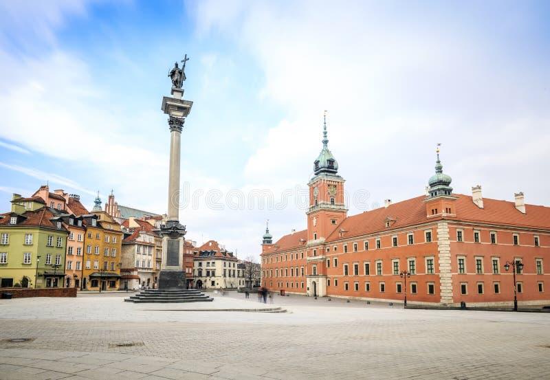 Centrum av Warszawa med den kungliga slotten, Polen royaltyfri foto