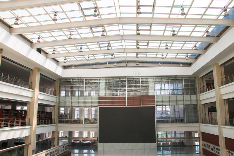 Centrum handlowe duży ekran zdjęcie stock