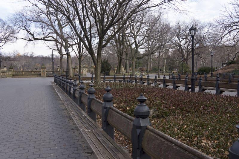 Centrum handlowe w Miasto Nowy Jork ` s central park Patrzeje północ W kierunku Bethesda tarasu fotografia royalty free