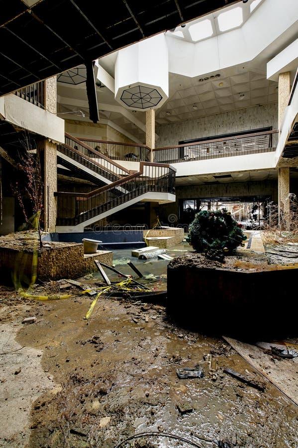 Centrum Handlowe - Zaniechany Randall parka centrum handlowe - Cleveland, Ohio obraz stock