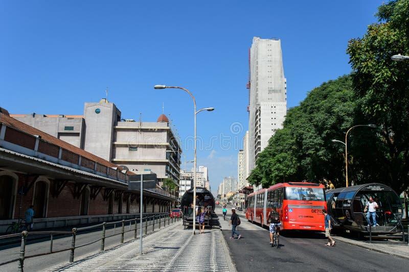 Centrum i Curitiba, Brasilien royaltyfria bilder