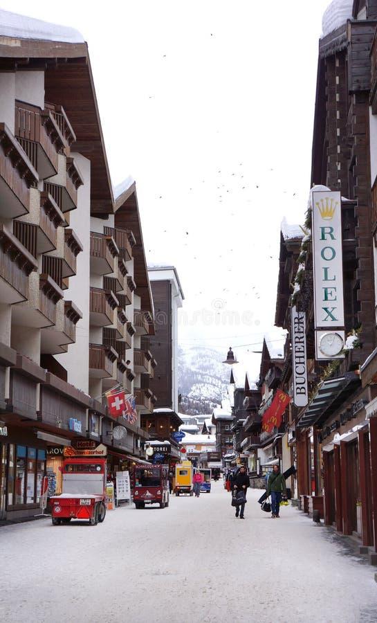 Centrum i Zermatt, Schweiz royaltyfri fotografi