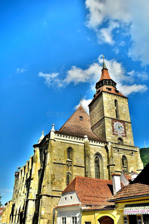 Centrum stary miasteczko Brasov miasta Czarny kościół Transilvania, Rumunia W tle ty możesz widzieć Tampa górę 955 m obraz royalty free