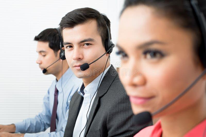 Centrum telefonicznego telemarketer drużyna zdjęcie royalty free