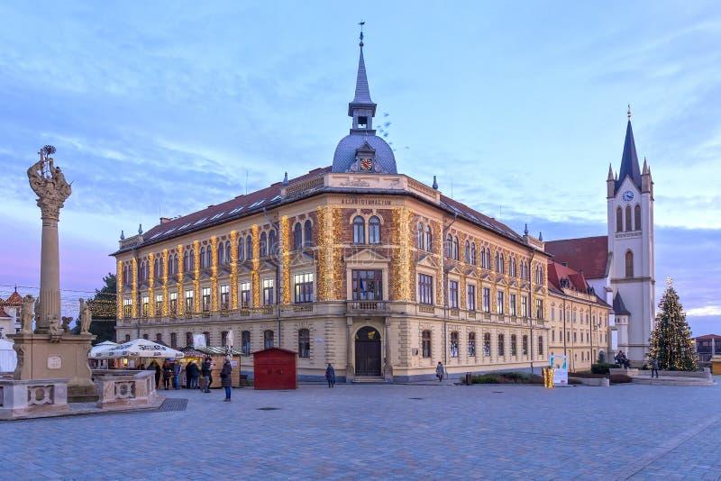 Centrum van kleine stad Keszthely in Hongarije, 02 01 2018 royalty-vrije stock afbeelding