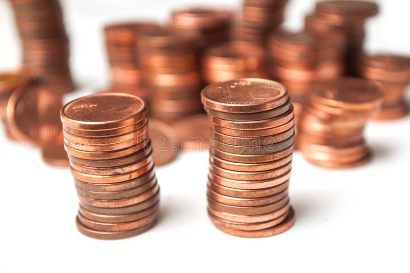 Cents Euromünzenstapel auf weißem Hintergrund lizenzfreie stockbilder