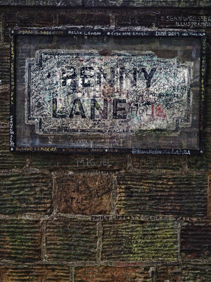 Centu pas ruchu Liverpool znak uliczny zdjęcie stock