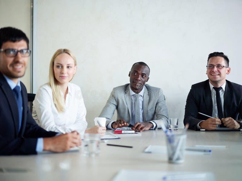 CEO-Aufsichtsgremium in der Sitzung lizenzfreies stockbild