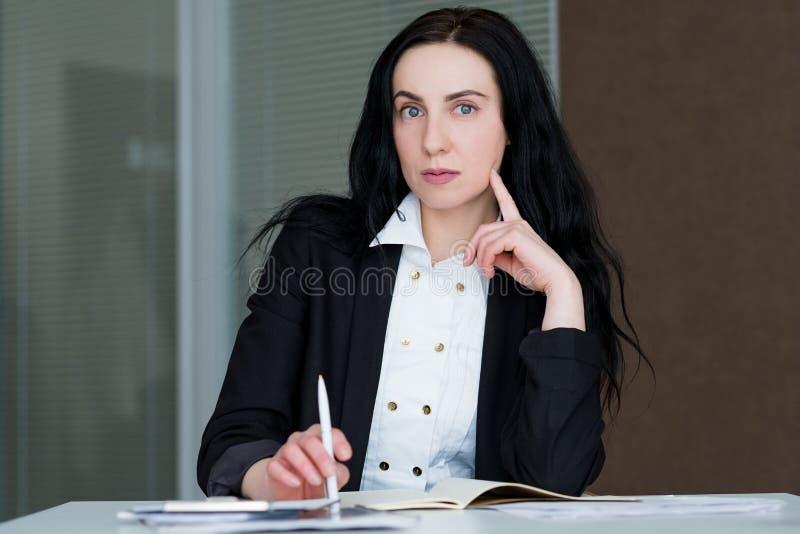 CEO corporativo de la compañía de la señora profesional del negocio imágenes de archivo libres de regalías