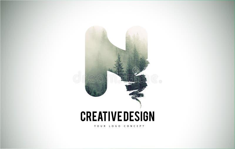 Cepillo de la letra de N con Forest Fog Texture Forest Trees Letter Logo libre illustration