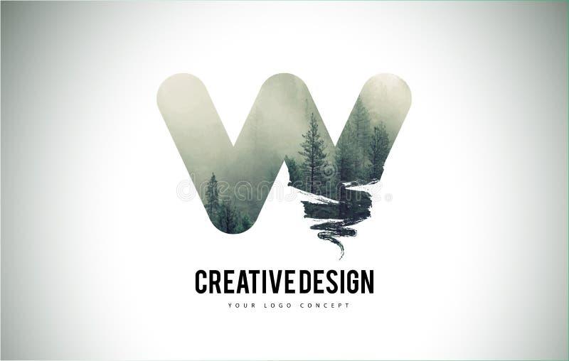 Cepillo de la letra de W con Forest Fog Texture Forest Trees Letter Logo stock de ilustración