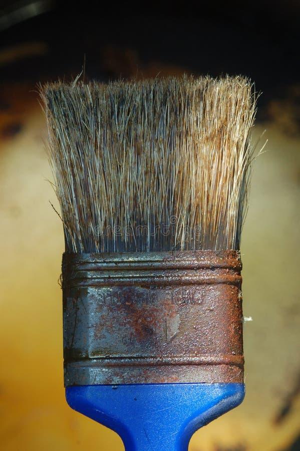 Cepillo de pintura usado imagen de archivo