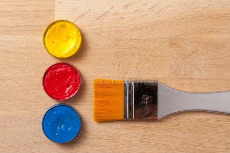 Cepillo, fuentes de la pintura fotos de archivo libres de regalías