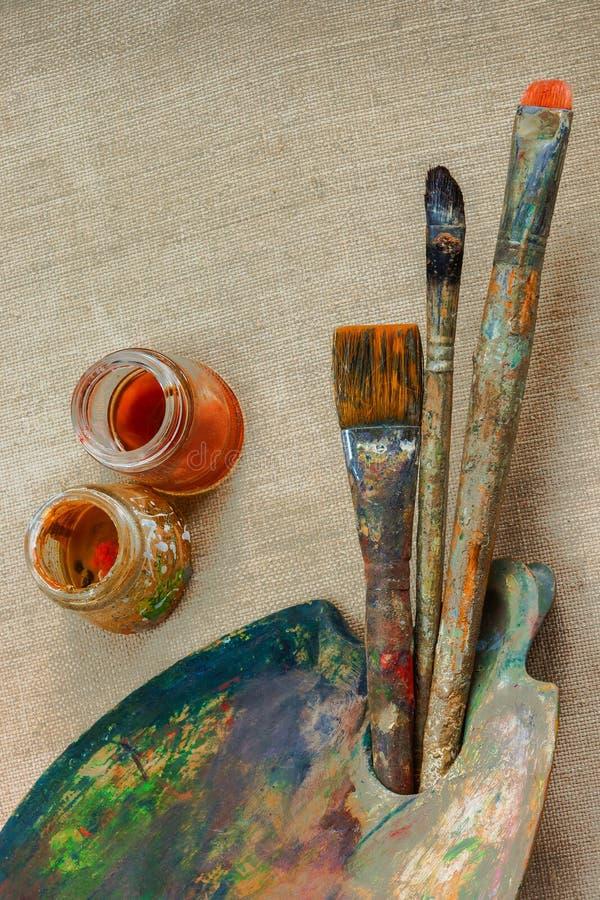 Download Cepillos Y Artista De La Pintura Imagen de archivo - Imagen de cepillos, colores: 64213443