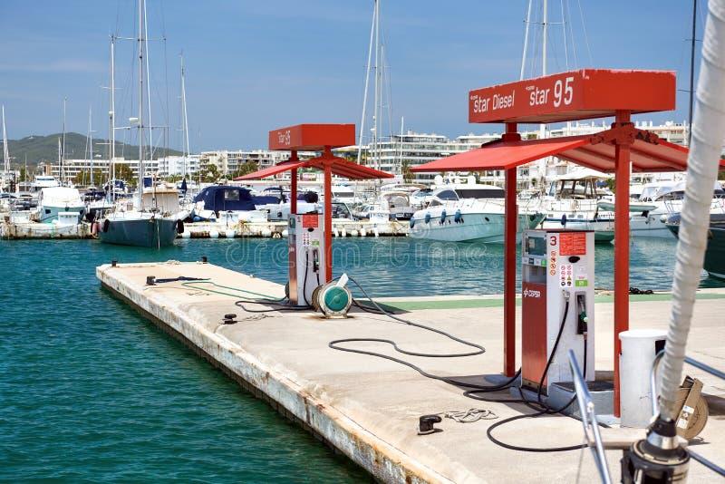 Cepsa浮动燃料驻地在伊维萨岛 图库摄影