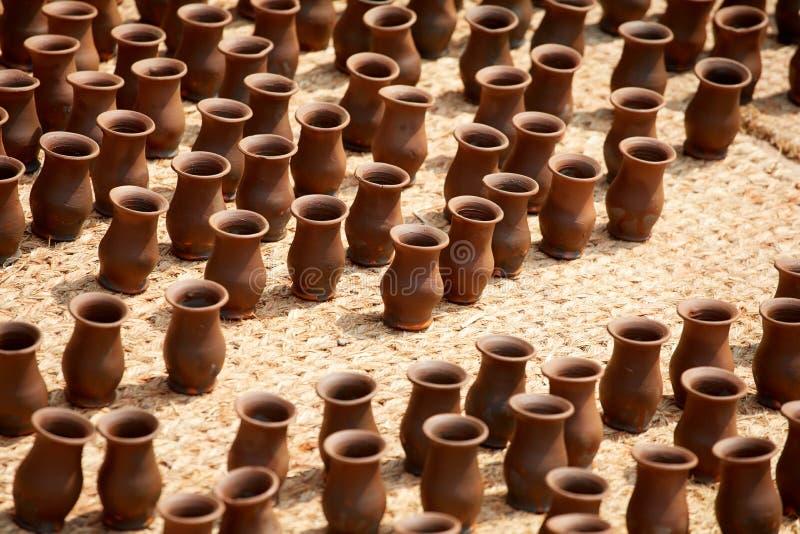 Cerámica en Nepal, cerámica fotografía de archivo libre de regalías