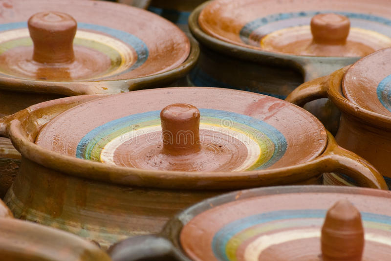 Cerâmica rústica tradicional de Romania fotografia de stock
