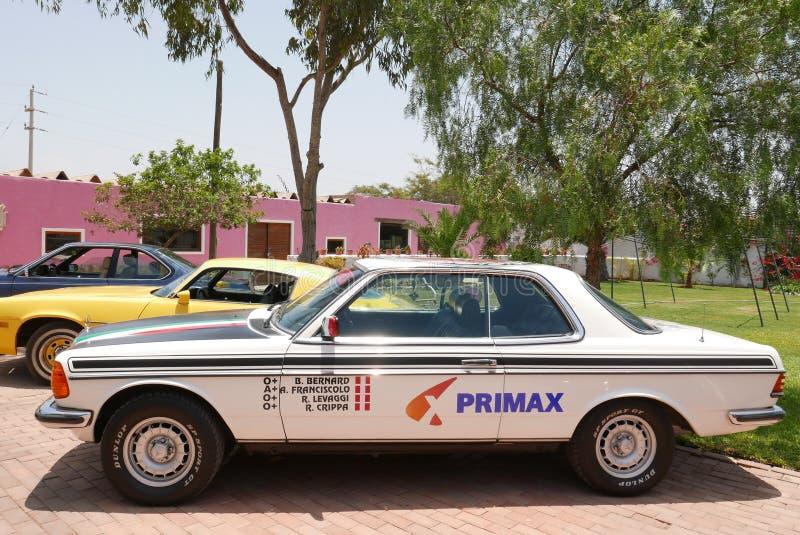 CER Mercedes-Benzs 280 ausgestellt in südlich von Lima stockfotografie