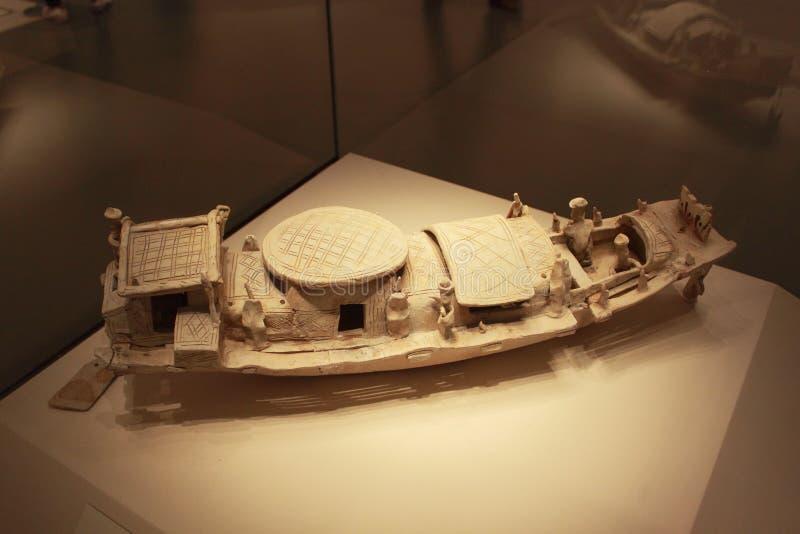 Ceramiczna łódź zdjęcie royalty free