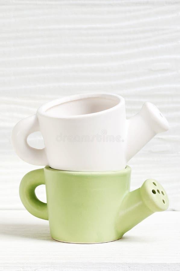 Ceramiczny podlewanie garnek fotografia stock