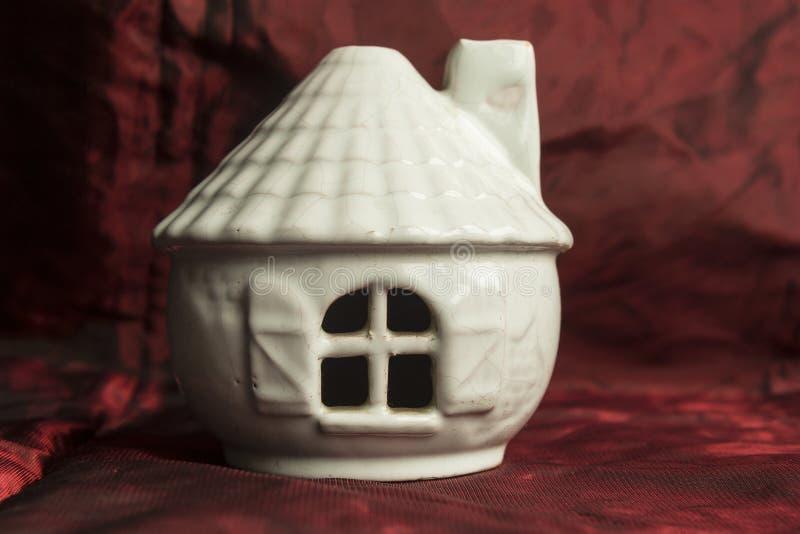 Ceramisch huis van het sprookje royalty-vrije stock foto's