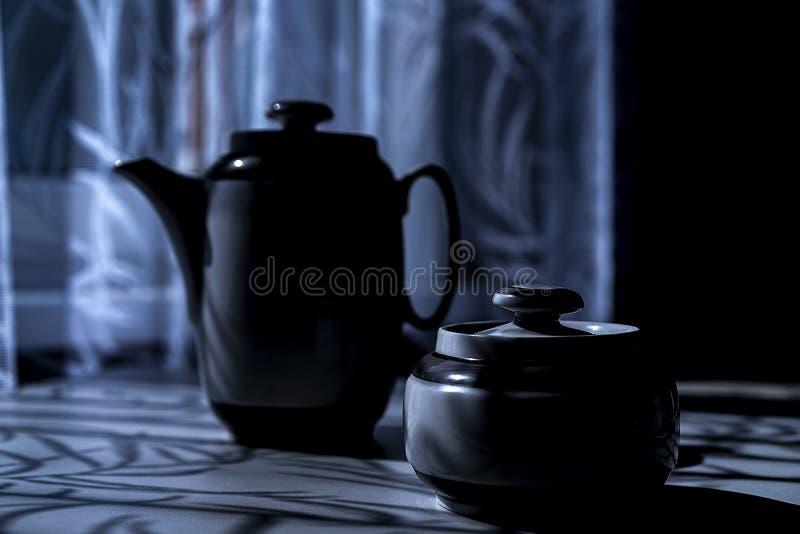 Ceramisch vaatwerk voor thee en honing royalty-vrije stock fotografie