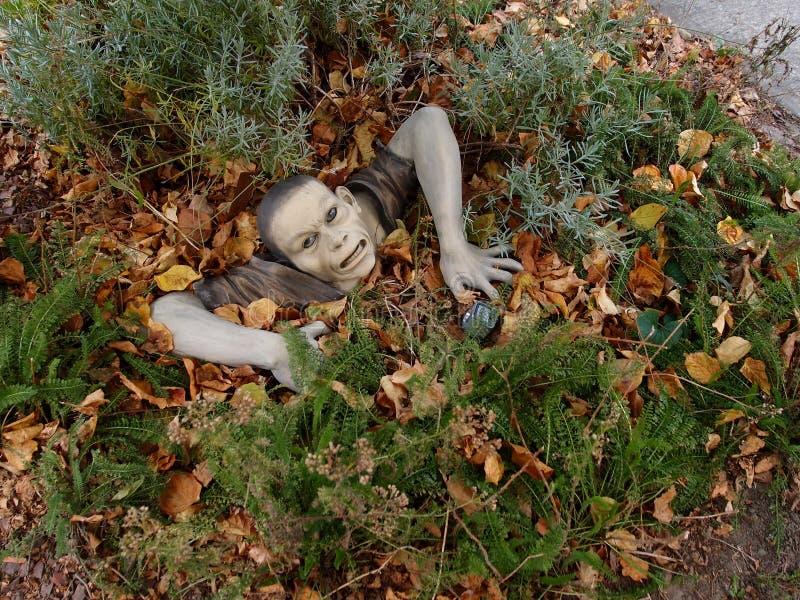 Ceramische Mannelijke Zombie uit van Grond royalty-vrije stock foto