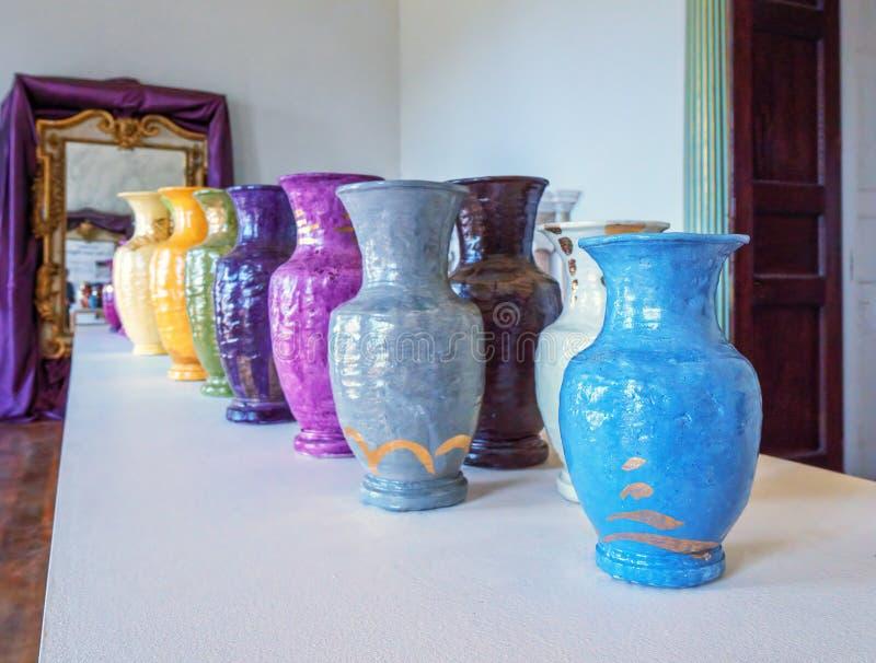 Ceramische Vaasvertoning, Croome-Hof, Worcestershire stock fotografie