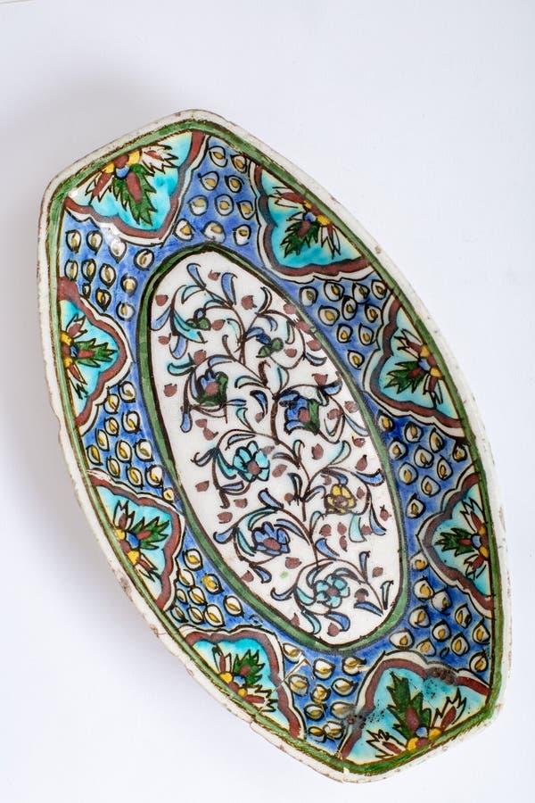Cerca da placa feito a mão antiga turca 17o c do otomano do século XVII imagens de stock royalty free
