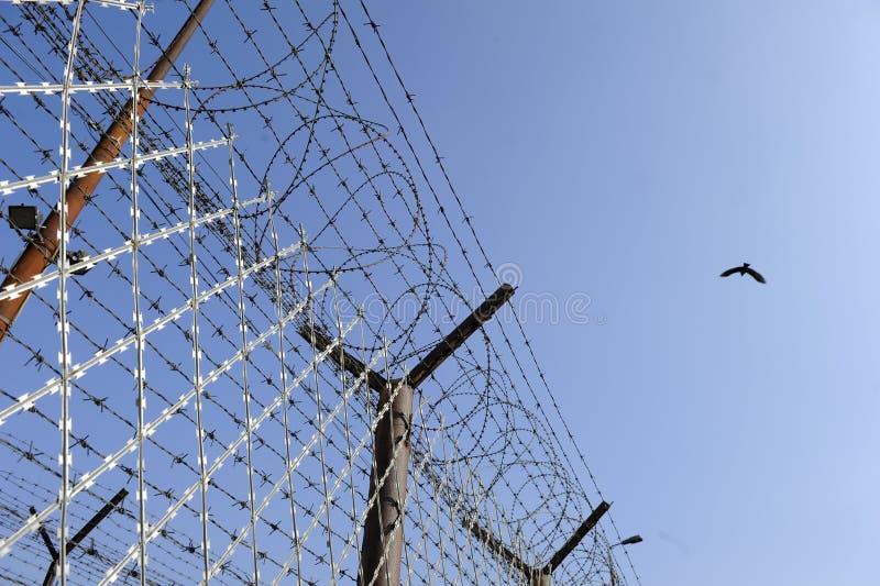 Cerca da prisão imagem de stock