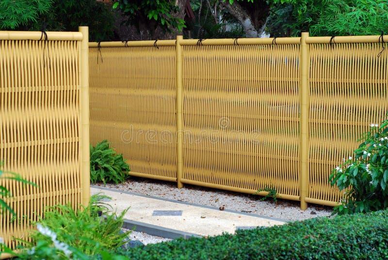 Cerca de bambu plástica foto de stock royalty free
