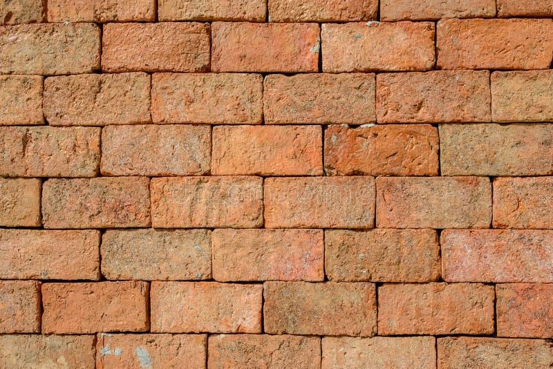 Cerca de la pared de ladrillo de la vista delantera foto for Papel de pared rustico