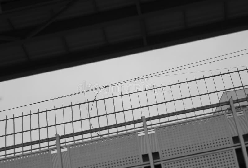 Cerca diagonal de la frontera del ferrocarril foto de archivo libre de regalías