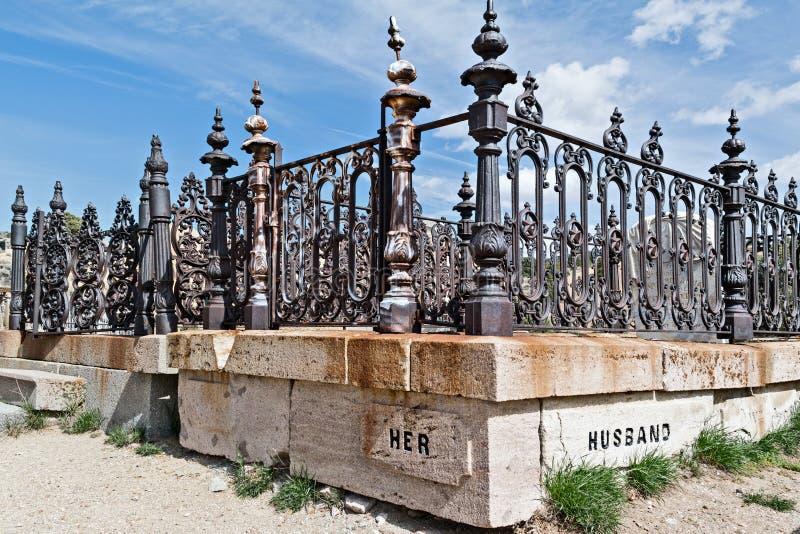 Cerca do cemitério imagens de stock royalty free