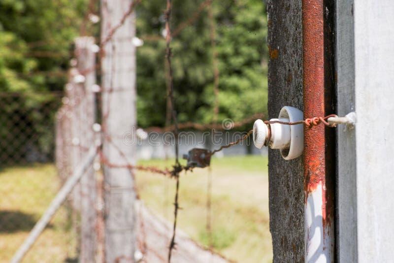 Cerca eléctrica en Dachau foto de archivo libre de regalías