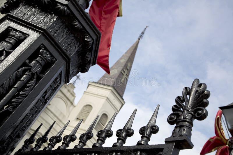 Cerca y santo Louis Cathedral New Orleans del hierro labrado foto de archivo