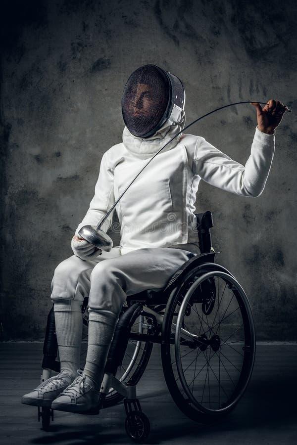 Cercador de sexo femenino de Paralympic en silla de ruedas imágenes de archivo libres de regalías