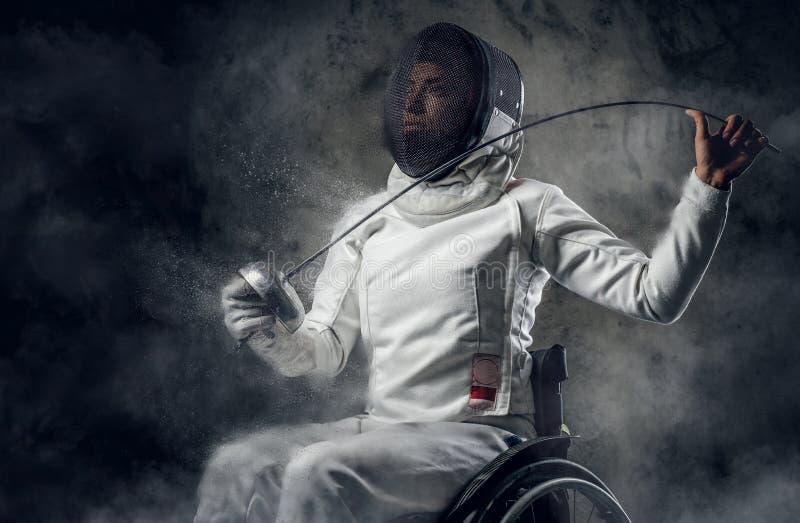 Cercador paralympic de sexo femenino de la silla de ruedas imagen de archivo libre de regalías