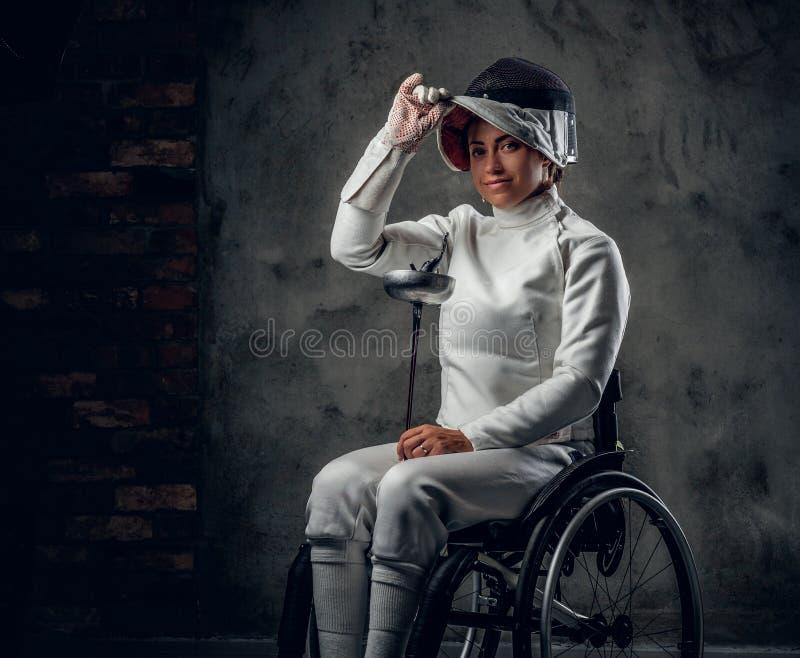 Cercador paralympic de sexo femenino de la silla de ruedas foto de archivo libre de regalías